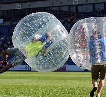 gelungener_vereinsausflug_bubblesoccer